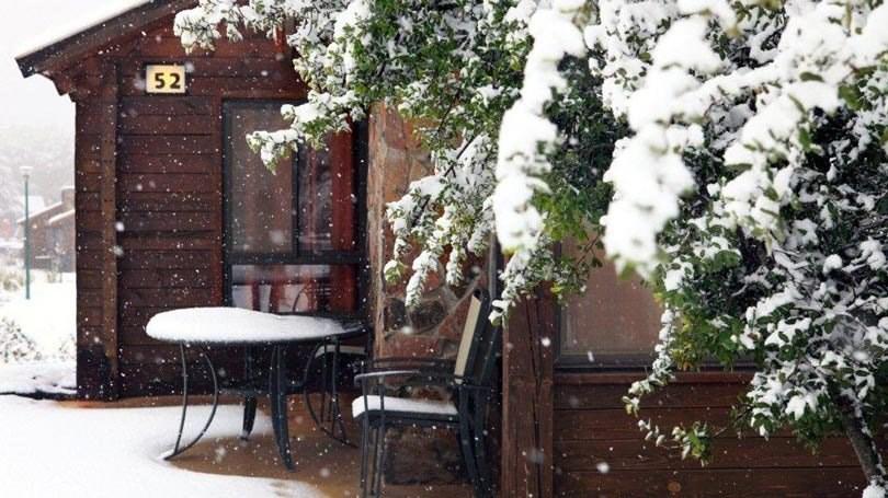 בקתות בזלת בשלג