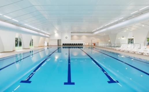 בריכת השחיה מקורה